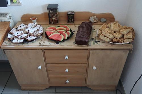 Kuchenbuffet (bei der Feier des 100. Geburtstages von Freunden)