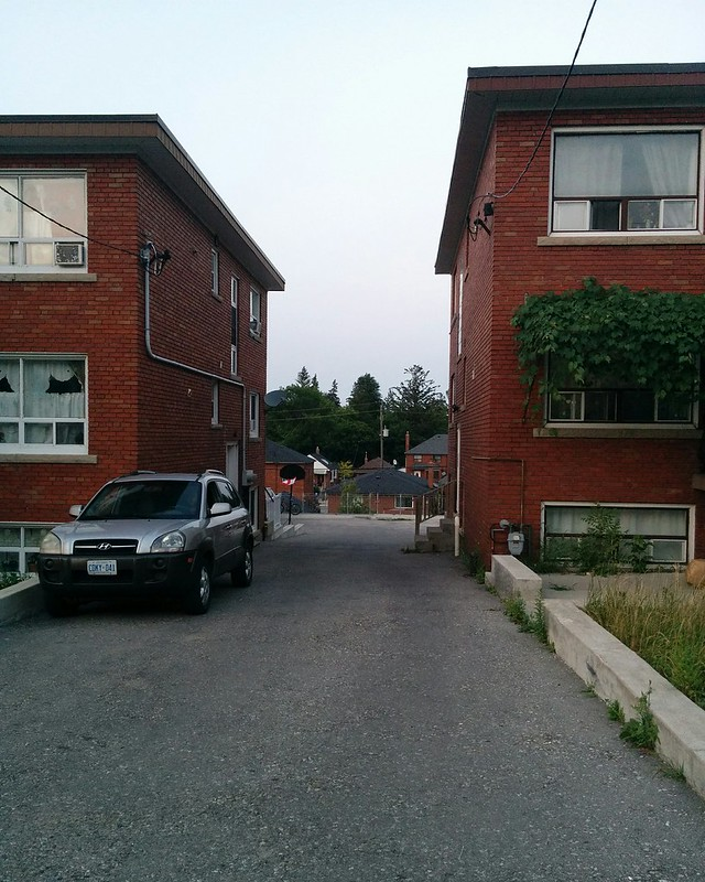 Alley, Caledonia by Summit #toronto #caledoniafairbank #caledoniaroad #summitave #alley #laneway