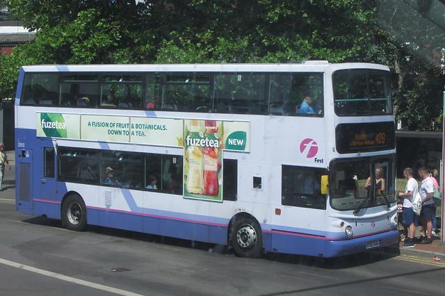 Volvo B7TL X767 VUA, First Greater Manchester, Royton