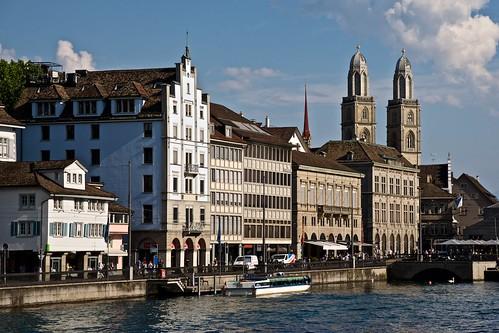 2018-07-04 SWITZERLAND Zurich 168 - Limmat River Southern View and Grossmünster from Rudolf-Brun-Brücke