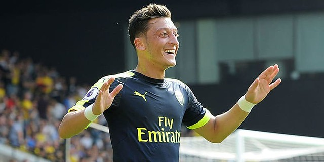 Gembiranya Mesut Oezil Akhirnya Dapat Nomor Punggung 10 Di Arsenal