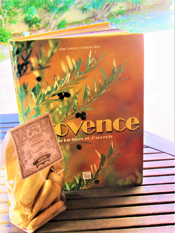 confiserie-entrecasteaux-navettes-provencales-thecityandbeauty.wordpress.com-blog-lifestyle-IMG_0744 (4)