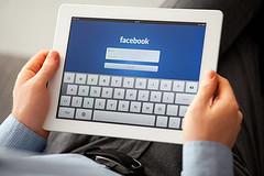 Facebook on iPad - Credit to https://www.lyncconf.com/