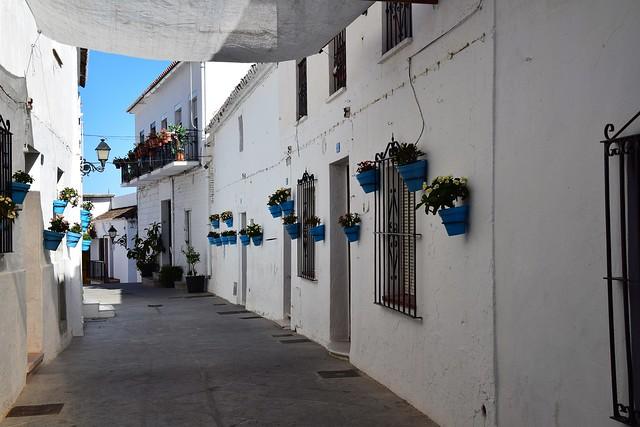 Calle en Mijas (Andalucía, España, 16-6-2018)