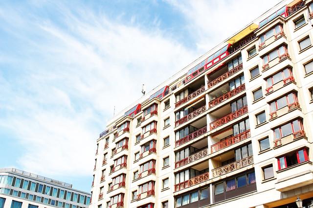 immeuble bleu blanc rouge Berlin