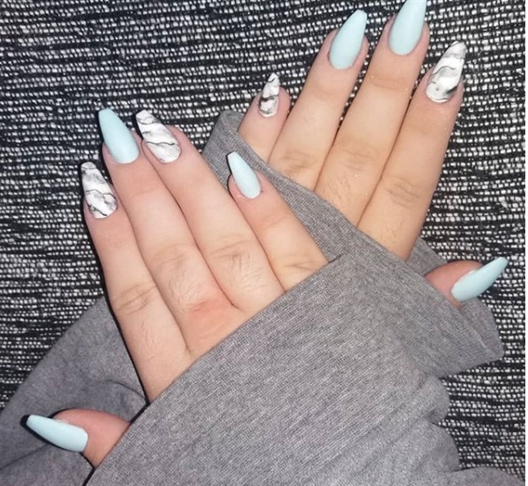 25+ Glamorous Long Acrylic Nail Art Designs