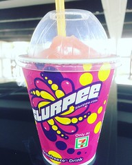 li hing mui slurpee❤︎japan needs to serve slurpees ・ ・ ・ #7elevenday #slurpeeday #hawaii #lihingmui #conveniencestore