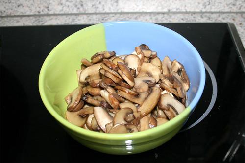 25 - Pilze entnehmen & bei Seite stellen / Remove & put aside mushrooms