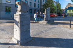 SCULPTURE OF A SEABIRD NEAR THE SPANISH ARCH IN GALWAY [THE COLUMBUS SCULPTURE]-141695
