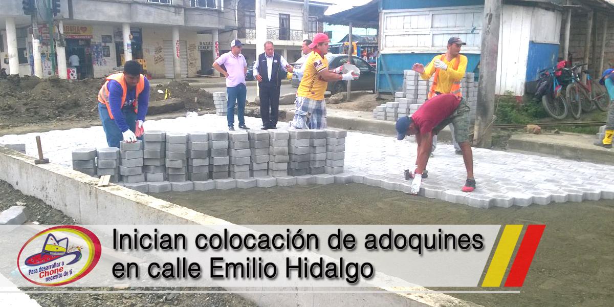 Inician colocación de adoquines en calle Emilio Hidalgo