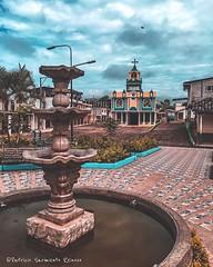 Poblado 12 de Octubre #Loja #Ecuador #ProyectoEcuador2018 #church #parque