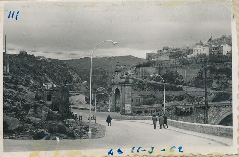 Subida de San Servando en marzo de 1962. Fotografía de Julián C.T.