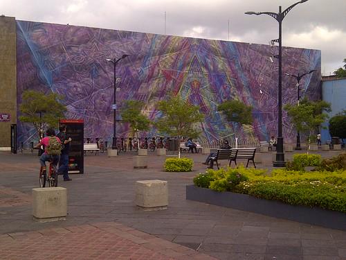 Guadalajara-outside Museum of Arts of the University of Guadalajara -20180619-07289