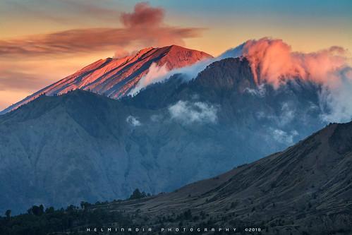 Light above Mount Agung