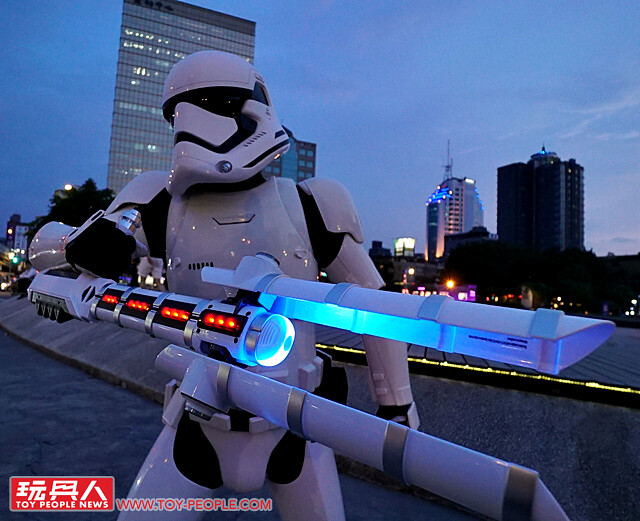 Enforce the Galaxy with the Star Wars Black Series Force FX Z6 Riot Control Baton from Hasbro!