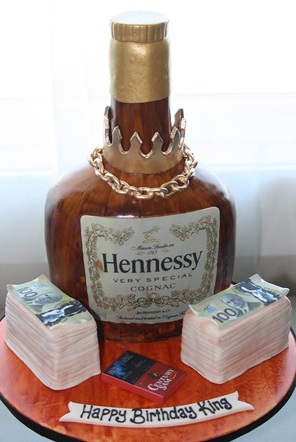 Hennessy by Cake Babes