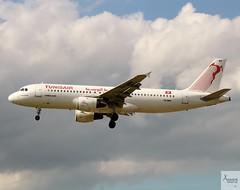 Tunisair A320-211 TS-IMH landing at LHR/EGLL
