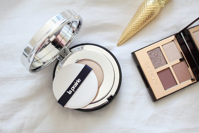 Review of La Prairie Skin Caviar Essence-in-Foundation in N-20 Pure Ivory