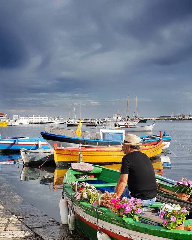 Fisherman, flowers and clouds #sea #sky #boat #flowers #cloudy #life #family #sicily #trip #holiday #colorful #colors #photooftheday #picoftheday #igers #igersitalia #beccacimmi #beccacimmiwedding