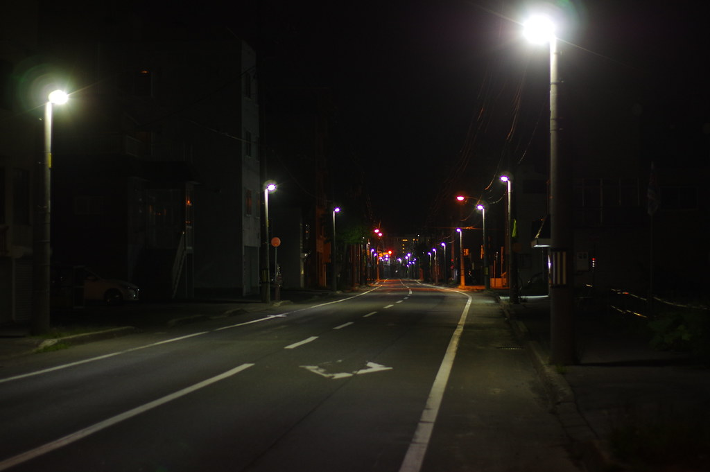 稚内、深夜のバス通り