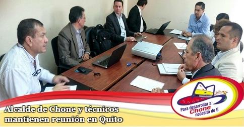 Alcalde de Chone y técnicos mantienen reunión en Quito