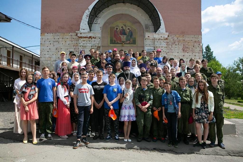 В Троицком храме в Ознобишине состоялось закрытие летних молодежных полевых сборов «КАЗАЧЬЯ ЗАСТАВА-2018»