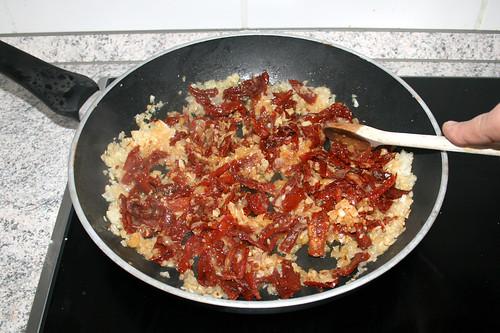 36 - Getrocknete Tomaten andünsten / Braise dried tomates