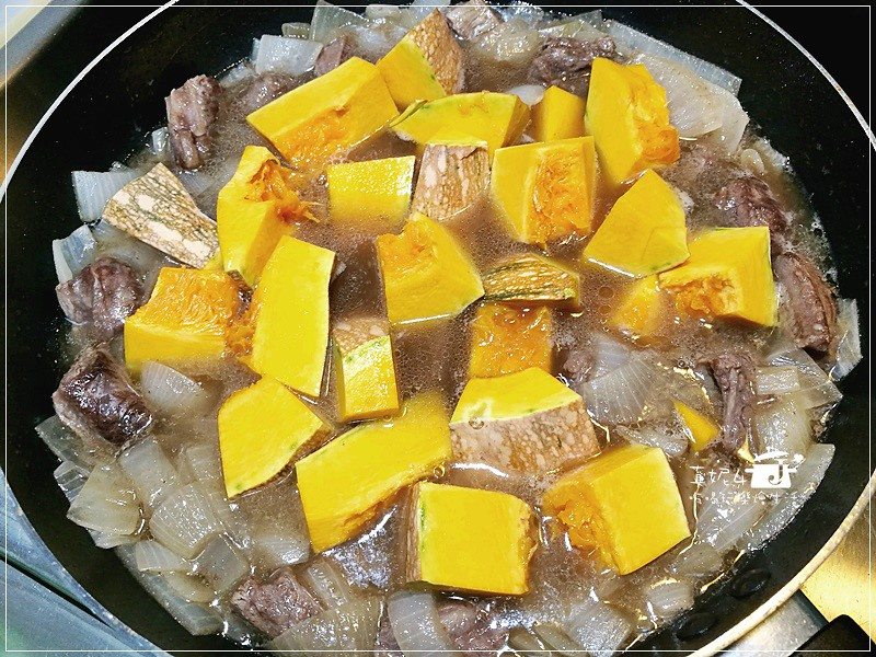 南瓜咖哩牛肉飯
