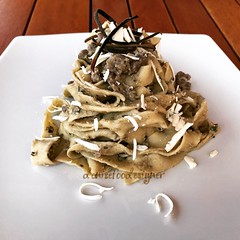 Pappardelle con sugo di salsiccia, crema di melanzane e ricotta salata al forno -  Pappardelle with sausage, aubergines cream and salted baked ricotta http://www.denisefoodesigner.com/en/2018/07/13/papparedelle-with-sausage-aubergines-cream-and-salted-bak
