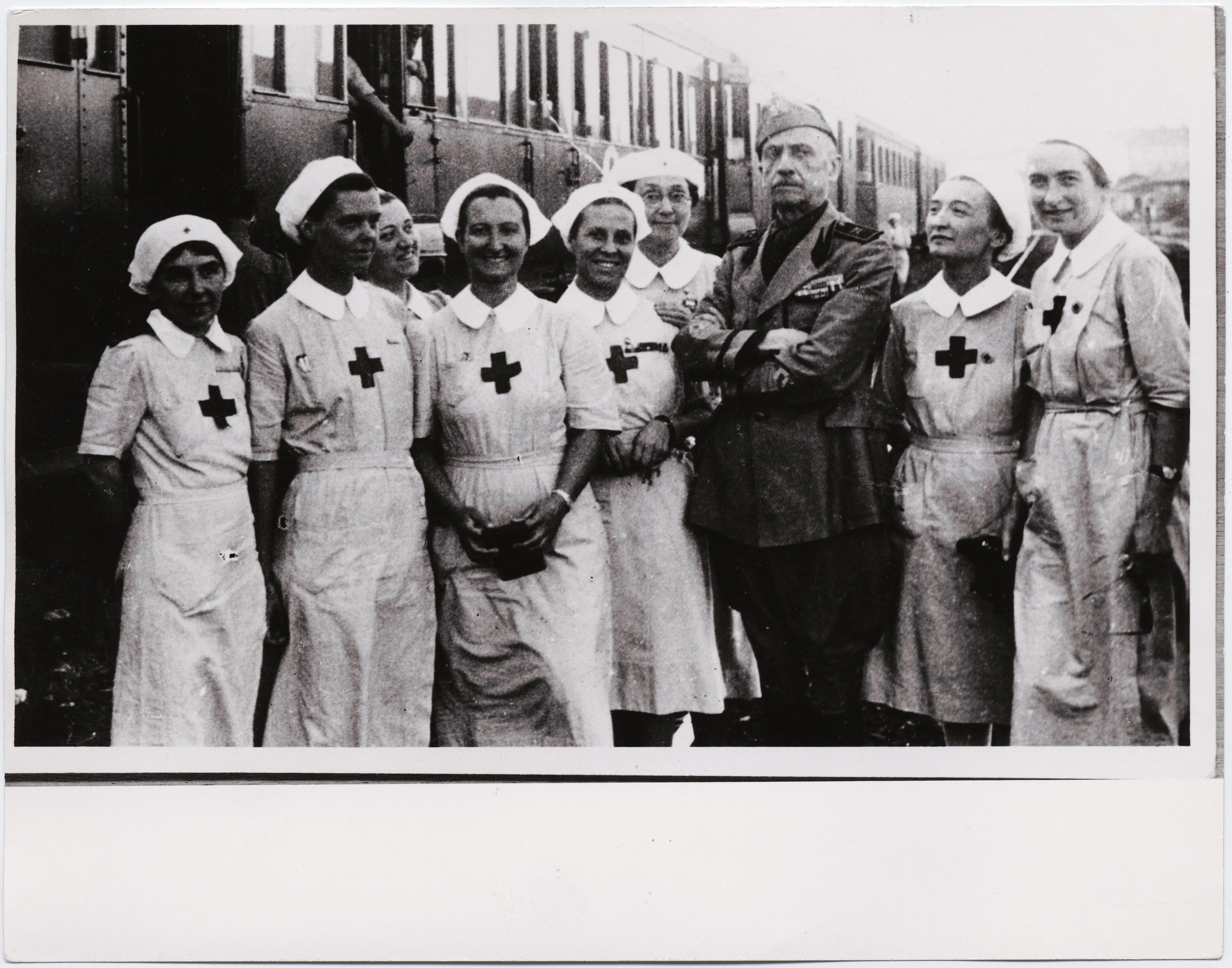 1942. Маринетти уезжает в Россию со станции Вероны. Июль