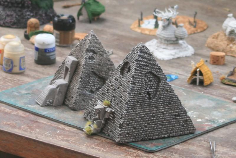 [Décors Aquarium] Une pyramide 28270068527_df9bdbd41c_c