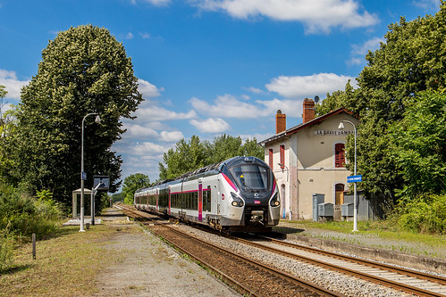 19 juin 2018  B 85041 Train 3833 Nantes -> Bordeaux Ambarés-et-Lagrave (33)