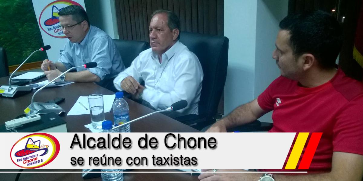 Alcalde de Chone se reúne con taxistas