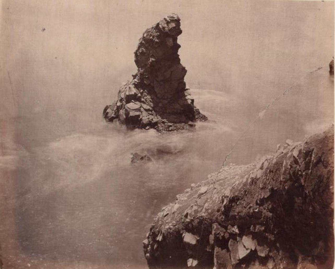 Острова Чинча. Собачья скала