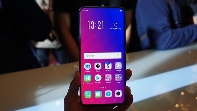 Smartphone bezeles Oppo Find X (Liputan6.com/ Agustin Setyo W)