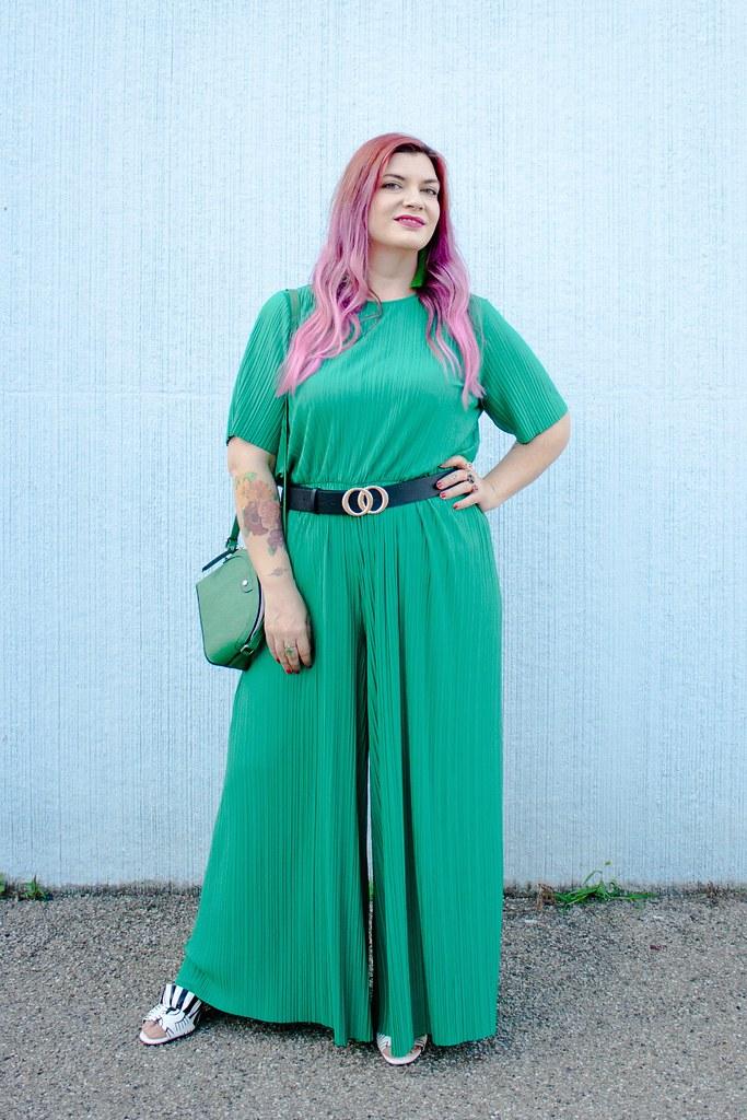 Outfit plus size tuta monki verde e blaze bianco (7)