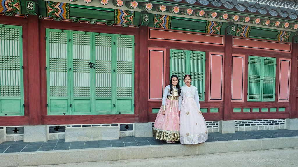 gyeongbokgung_palace_hanbok