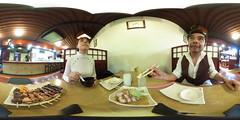 Comiendo en El Samurai