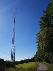 Pylonne du carrefour qui descend d'un côté vers Beuste et de l'autre vers Lucgarier de l'autre alt 387 m