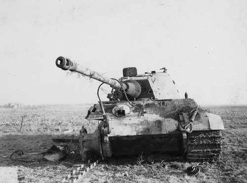 Heavy Tank Royal Tiger Pz. Kpfw. VI Ausf October 1944.
