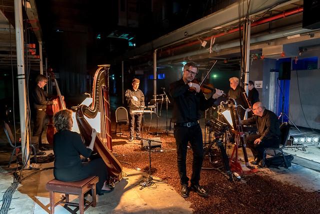 London Sinfonietta in Cave © 2018 London Sinfonietta and ROH. Photo by Manuel Harlan