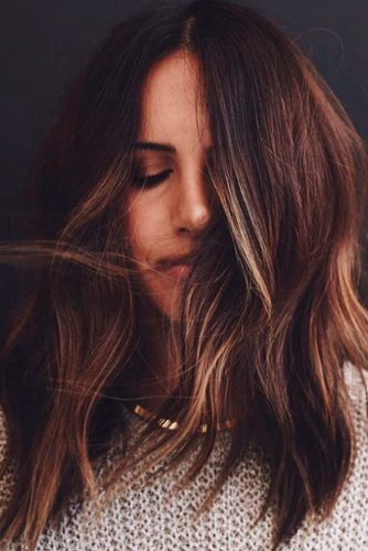 TOP MEDIUM LENGTH LAYERED HAIR IDEAS FOR WOMEN 9