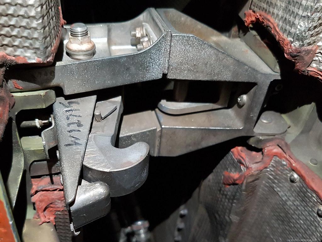 Капоты двигателя IAE V2500 реверса, капоты, чтобы, капота, замок, капот, когда, капотов, только, двигателя, замка, двигателе, трубочку, Потому, открыть, V2500, торчит, вентилятора, тандер, кронштейн