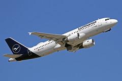 Lufthansa Airbus A320-214 D-AIZC Buedingen LHR 30-06-18