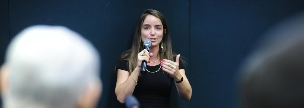 Conselho do MP abre investigação sobre postagem de procuradora no Twitter, Procuradora Monique