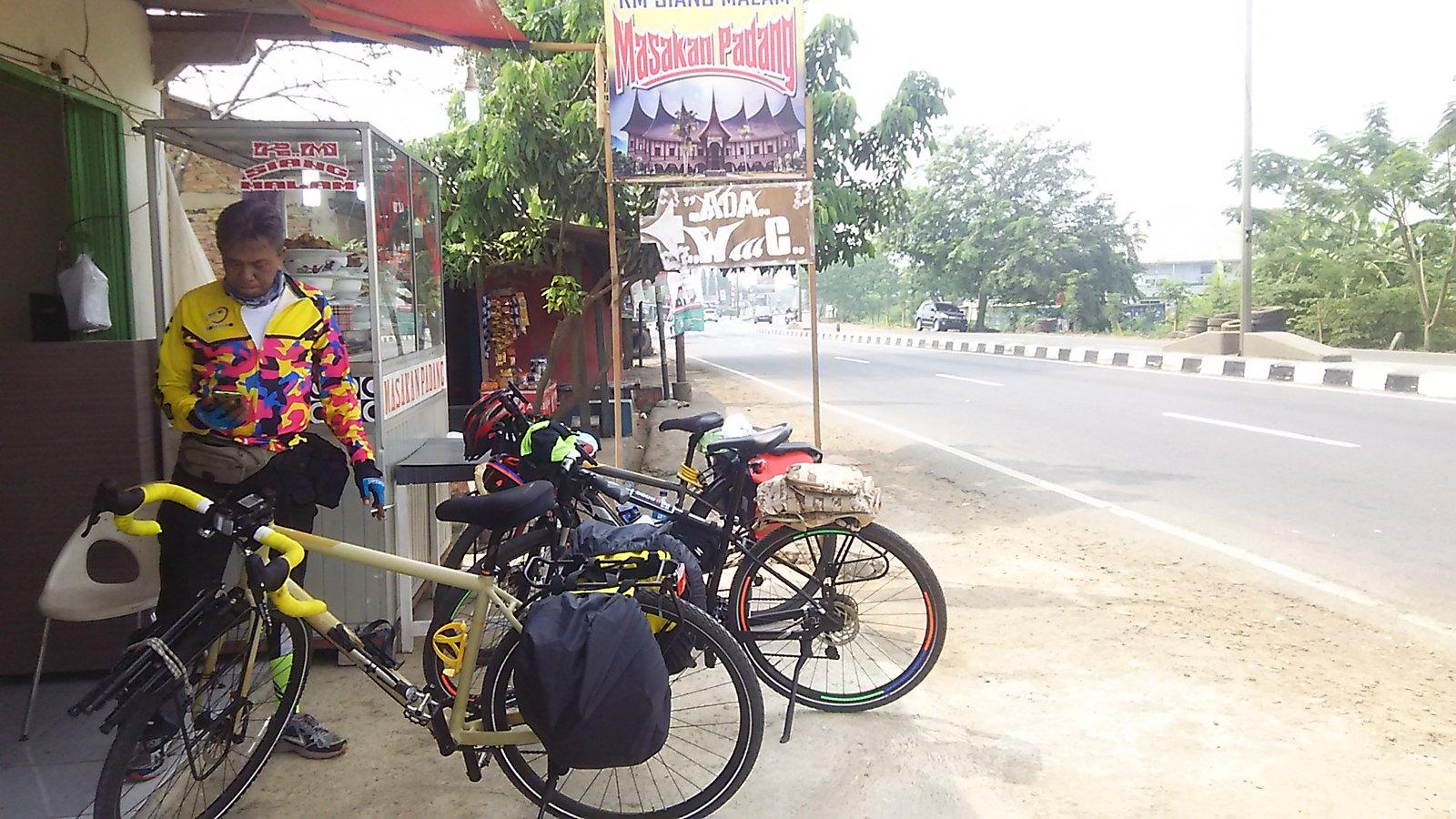 Padang Pit Stop 1
