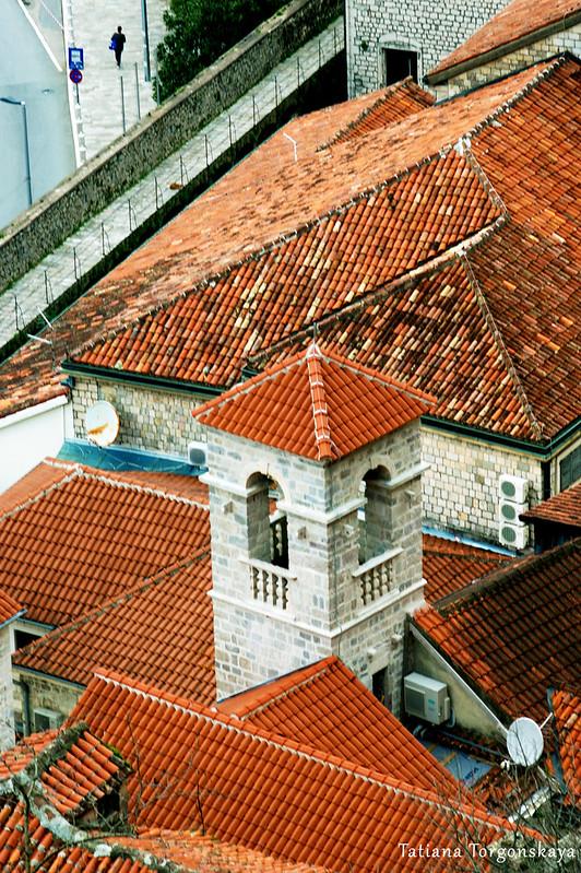 Вид сверху на францисканский монастырь