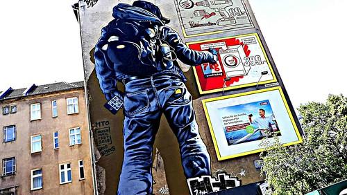 Berlin 2018.06.08 Mural 86.5 - Artist MOT, 2018