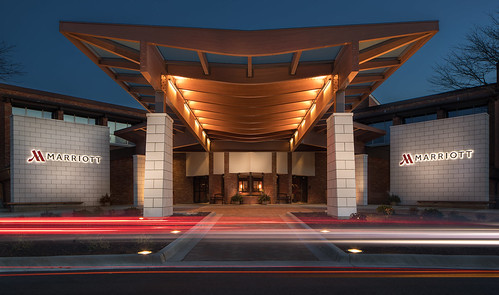 Porte Cochere_ Lincolnshire_Photo Credit Chicago Marriott Lincolnshire Resort