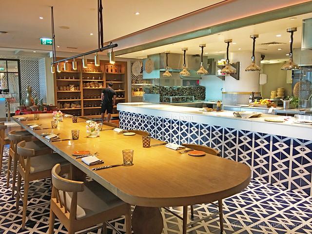 Al Maeda Restaurant - Interiors 8